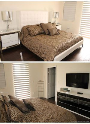 King size bed with memory foam king mattress for Sale in Miami, FL