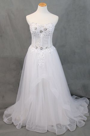 NWT Sz12 White Wedding Dress for Sale in New York, NY