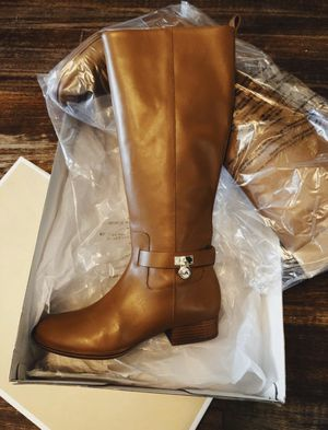 BRAND NEW * Michael Kors* LEATHER BOOTS SIZE 9 women's for Sale in Dallas, TX
