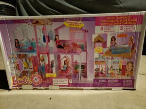 Brand New Barbie Pink Passport 3 Story House Pop Up Umbrella for Sale in Corona, CA