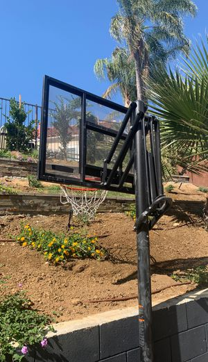 LifeTime adjustable freestanding basketball hoop for Sale in Phillips Ranch, CA