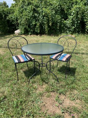 Bistro patio table and chairs for Sale in Columbus, OH