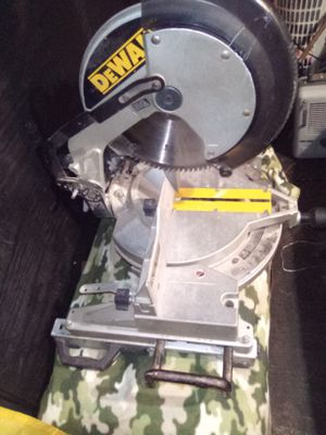 DeWalt chop saw for Sale in Wahneta, FL
