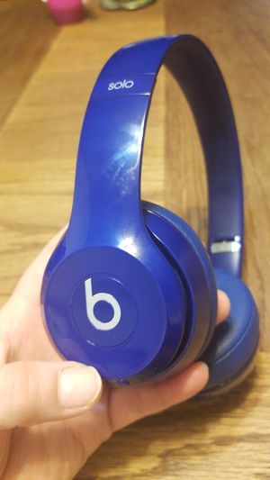 Beats Headphones wireless for Sale in Madera, CA