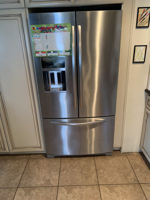 "Kitchenaid 36"" standard depth French Door Refrigerator for Sale in Costa Mesa, CA"
