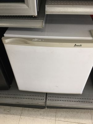Alvani mini fridge for Sale in Oklahoma City, OK