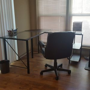 Corner office desk Quickest takes! for Sale in Tampa, FL