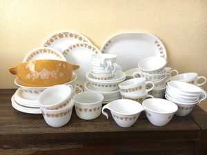 Corelle PYREX Dish Set for Sale in Beverly Hills, CA