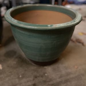 Large Plant Pot for Sale in Bakersfield, CA