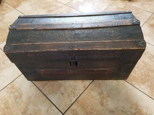 Antique Chest for Sale in Altamonte Springs, FL