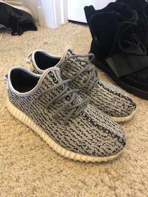 Adidas yeezy turtle dove size. 9.5 for Sale in Seattle, WA