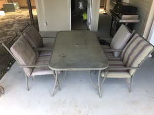 $75 OBO. Outdoor patio furniture set. for Sale in Bedford, TX