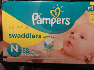 Pampers swaddlers Newborn 88 diapers for Sale in Houston, TX