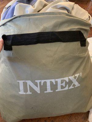 Queen size intex 18 in air mattress for Sale in Garland, TX