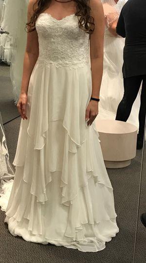 Wedding Dress - Bohemian Size 5/6 for Sale in Cincinnati, OH