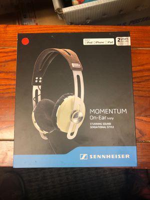 Sennheiser Momentum On Ear Headphone - Ivory 505982 for Apple for Sale in Portland, OR