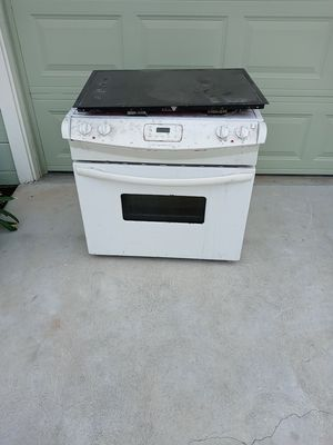 Free electric oven and electric gas top for Sale in Fresno, CA