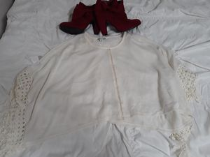 Cream oversized size small shirt for Sale in Merced, CA