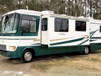 2001 La Palma Monaco Class A motorhome with 2 - Slides for Sale in Friendswood,  TX