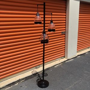 Floor lamp for Sale in Stafford, VA