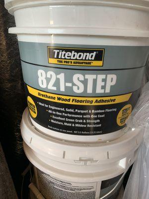 Hardwood/ engineered flooring Glue for Sale in San Leandro, CA