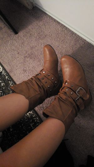 Fashion.g brown boots size 61/2 for Sale in Anaheim, CA