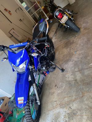 250cc dirt bike for Sale in Brunswick, OH