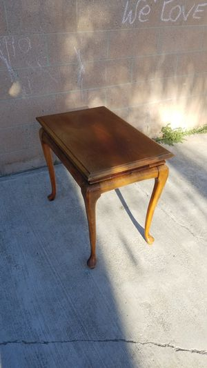 Classic End Table with Pull out shelfs for Sale in La Mirada, CA