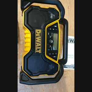 DEWALT 20V AND 12V SPEAKER AND RADIO.........PRECIO FIRME........FIRM PRICE.........solo Una En Existencia for Sale in Riverside, CA