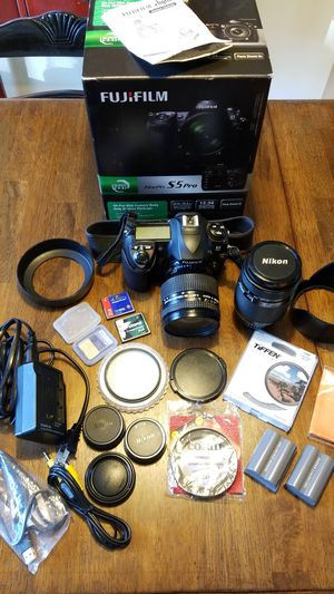 Fuji Film FinePix S5 Pro 12 megapixel digital camera for Sale in South Brunswick Township, NJ