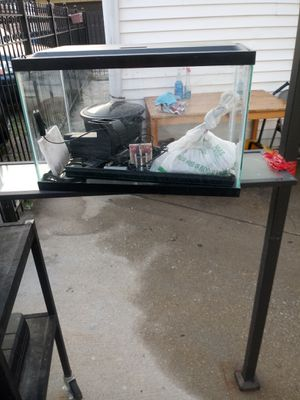 10 gallon fish tank for Sale in Chicago, IL