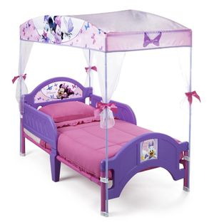 Minnie Mouse toddler bed w/ canopy (mattress sold separately) for Sale in San Lorenzo, CA