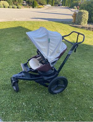 Orbit baby jogger with seat base for Sale in East Wenatchee, WA
