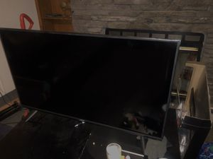 40 inch vizio tv for Sale in Charlotte, NC