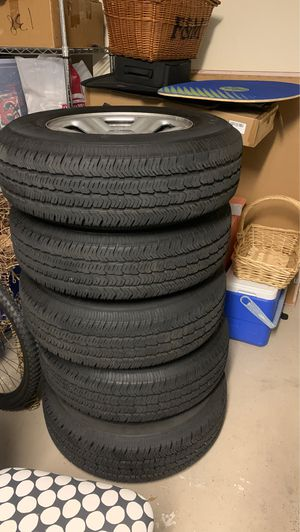 Wrangler Goodyear tires and rims for Sale in Dania Beach, FL