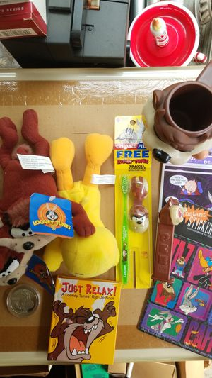 Looney tunes bundle for Sale in Fremont, CA