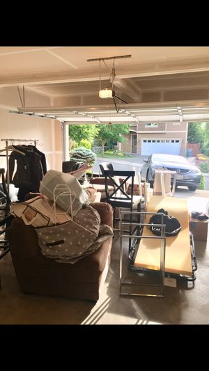 ⚐ FREE couch, desk, chairs, clothes, clothes rack, new garage shelf etc for Sale in Seattle, WA