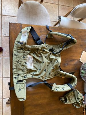 Tula free to grow baby's carrier for Sale in Tempe, AZ