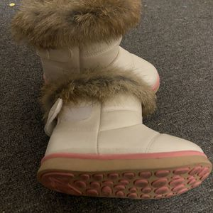 Girl Snow Boots Size 8 for Sale in Temple City, CA