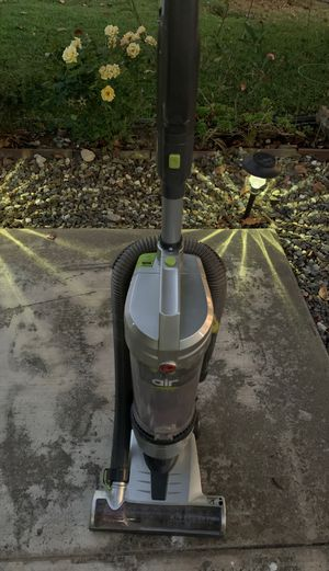 Hoover vacuum cleaner like dyson bagless vacuum for Sale in Rancho Cucamonga, CA