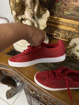 Puma sneakers 8.5 for Sale in Hialeah, FL