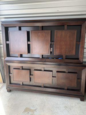 Queen bed frame for Sale in Harlingen, TX