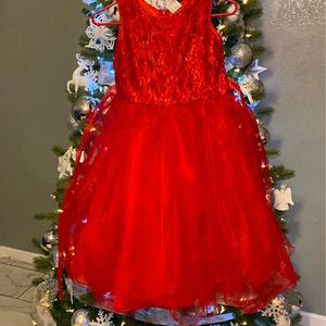 Christmas 🎄 Dresses Size 10-12 (the Red Dress Is Size 8 & Very Very Fluffy) for Sale in Phoenix, AZ