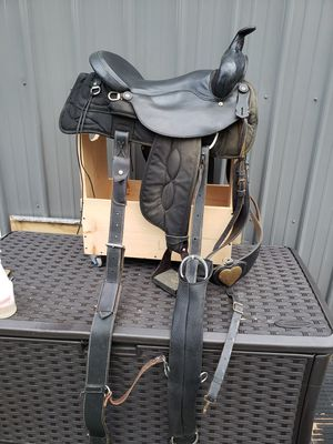 Western saddle 17inch for Sale in Rising Sun, MD