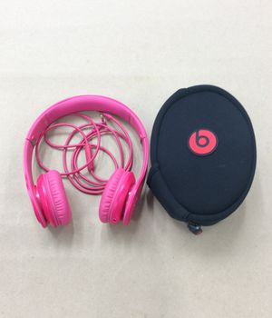 Beats by Dre Solo HD Headphones w/ Removable Aux Cord and Soft Case (19-1690) for Sale in Laurel, MD