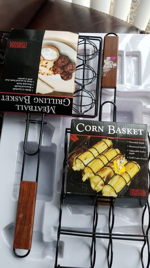 Corn on the cob basket and meatball for Sale in Fort Washington, MD