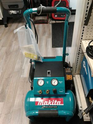 Makita electric air compressor for Sale in Federal Way, WA