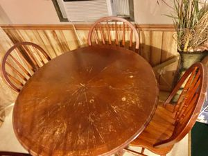 Kitchen table and chairs for Sale in Grover, NC