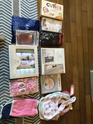Newborn baby bundle for Sale in Brooklyn, NY