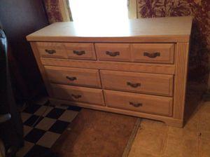 6 dresser drawer light brown in color. for Sale in Lascassas, TN